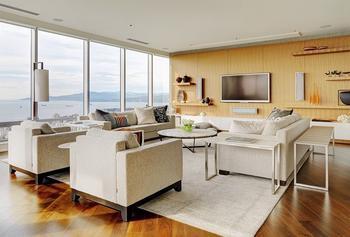 Современная квартира с видом на английский залив в Ванкувере