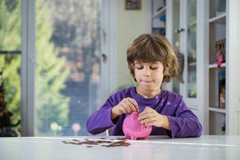 5 насущных вопросов о детских карманных деньгах
