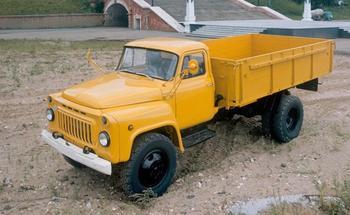 Удлиненный пикап, шестиместный фургон и запрет на продажу: мифы и факты об ИЖ-2715