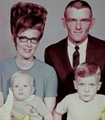 20 фотографий причесок которые были на пике моды в 1960-х, а сегодня кажутся забавными