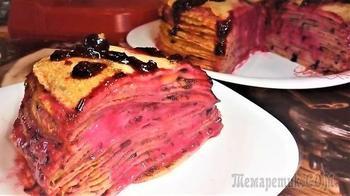 Блинный торт со сметанным кремом и свежими ягодами