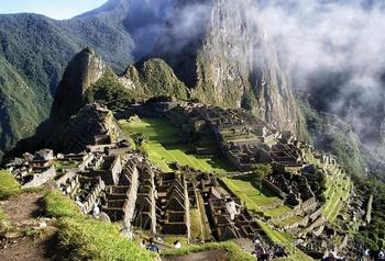 Какие сокровища инков дошли до нашего времени, и где находится затерянный «золотой» город Пайтити