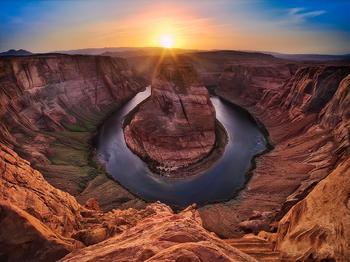 Долина монументов и подкова на реке Колорадо