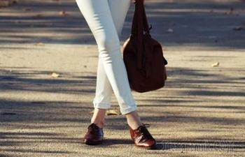 11 приемов для создания стильных образов с обувью на низком ходу