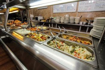Принят закон о качественном, здоровом и горячем питании детей в школах