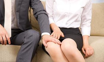 Сексуальные домогательства на работе: как себя вести