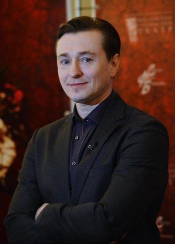 Актёр Сергей Безруков стал отцом в пятый раз