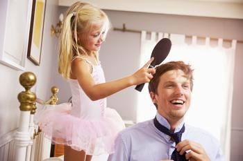 Важность отца в жизни девочки: 14 вещей, которым нас может научить только папа