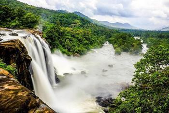 10 самых впечатляющих водопадов Индии, привлекающих особое внимание туристов