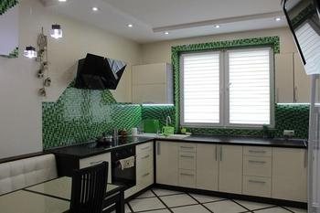 Просторная кухня на 13 кв. м