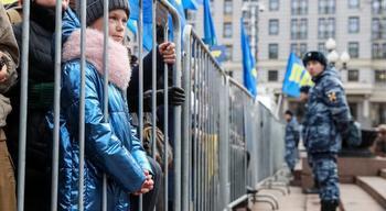 Депутат предложил лишать прав родителей митингующих детей