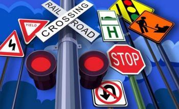 Поворот направо на зеленый, когда стрелка на светофоре не горит: правильный ответ в ПДД