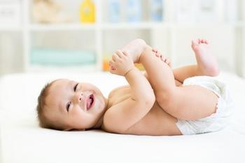 Упражнения на развитие сенсомоторных и речевых навыков ребенка до года