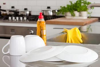 Свойства жидкости для мытья посуды, о которых вы даже не догадывались