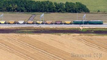 Грузовые поезда начали курсировать по железной дороге в обход Украины