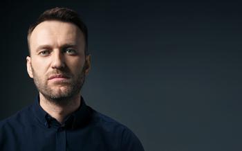 """Навальный: """"Роснефть"""" покупает в свой вертолет рюмки для водки, салфетницы и икорницы на десятки тысяч рублей"""