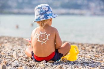 12 актуальных вопросов о защите кожи ребенка от солнца