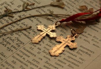 С чем нельзя носить крестик