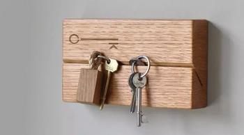 Ключница из деревянного бруска