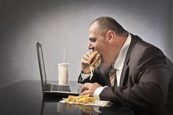 Практичное руководство: Как сжигать в 3 раза больше калорий и не набрать лишнего за праздники