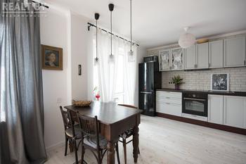 Родительский ковер, бабушкин стол и скандинавский стиль. Минчане — о ремонте своей «однушки»