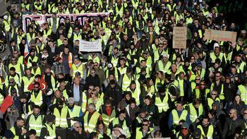 Российский след: Франция ищет вдохновителей «желтых жилетов»