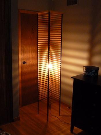 Деревянная лампа с оригинальным дизайном своими руками