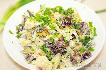 Салат с сухариками и кукурузой - Вкусный и простой салат на Новый год