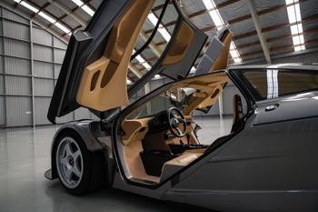 Один из двух уникальных McLaren F1 LM отправляется на аукцион в Монтерее