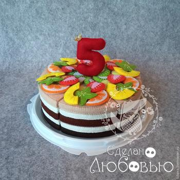 Готовим фруктовый торт-конструктор из фетра для детей