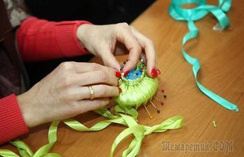 Мини-шедевры, которые можно сделать своими руками из атласных лент