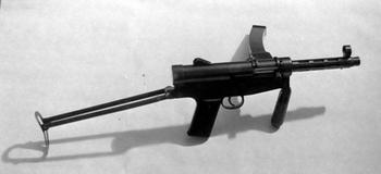 Первый аргентинский, пистолет-пулемёт Хуана Ленара