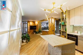 В Минске продают яркую «трешку» с уютным островком и крутым балконом