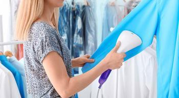 Почему отпариватель для одежды лучше утюга