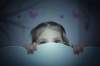 Ребенок боится монстров: как объяснить, что их нет?