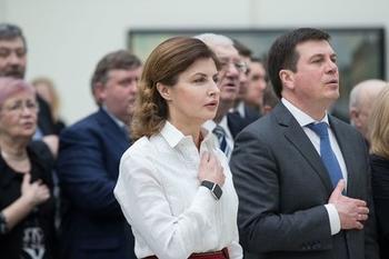 Жена Порошенко профинансировала комедию о войне в Донбассе