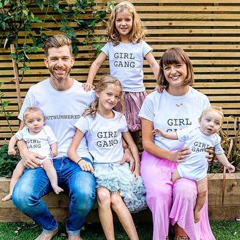 Честные фотографии о том, каково это - быть отцом сразу четырёх дочек