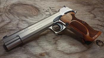 С швейцарской точностью: за что в Европе любят пистолет SIG 210