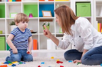 15 фраз, от которых родителям стоит отказаться раз и навсегда