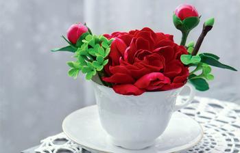 Король всех цветов: пион из глины