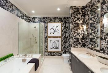 Обои для ванной комнаты: плюсы и минусы, виды, дизайн