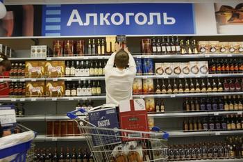 Алкоголь и сигареты захотели убрать из продуктовых магазинов