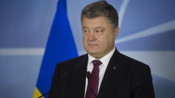 Порошенко напомнили об обещании закончить войну в Донбассе