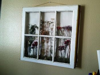 Панно на стену из старой оконной рамы
