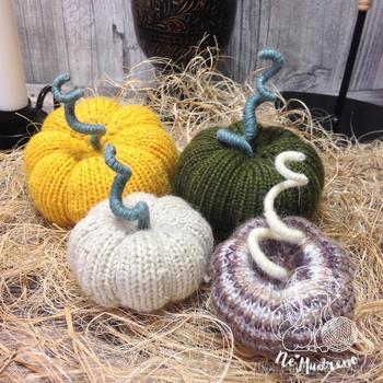Тыквенное время — вяжем тыквы к хэллоуину