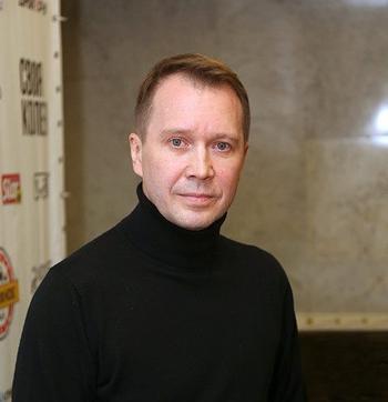 Евгений Миронов показал сына от суррогатной матери