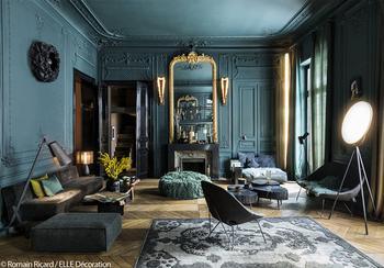 Смелая темная гамма для квартиры в Париже