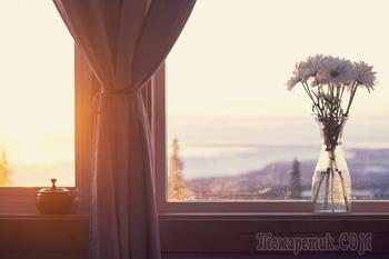 В нежных красках зари отражается утро