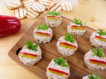 Используем простые продукты для праздничного рецепта / Рецепт закуски из консервы