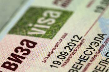 Со скольки лет дают кредитную карту?